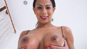 Isabella's Golden Shower Czechvr Isabella Chrystin vr porn video vrporn.com virtual reality